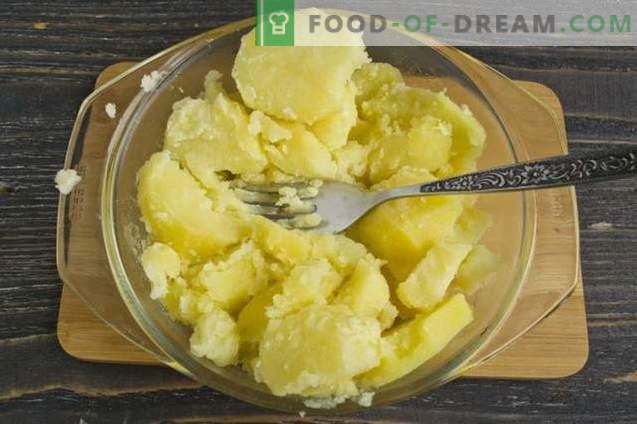 Krompirjeva pita z mletim mesom in zelenjavo