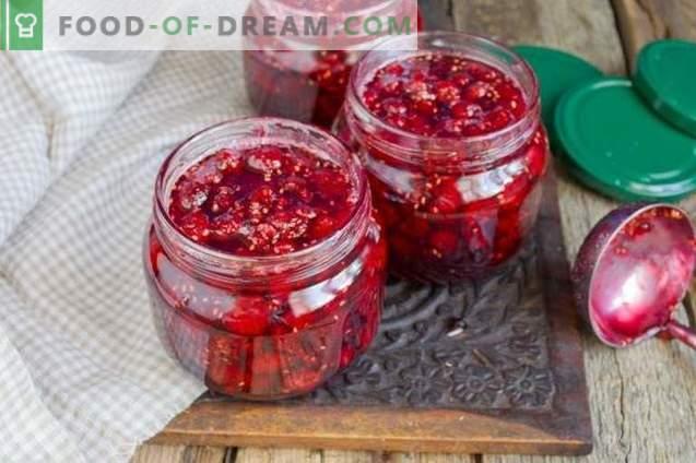 Debel marmeladni džem s celimi jagodami