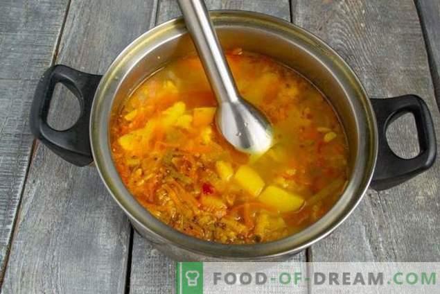 Kremna juha iz cvetače s slanino - svetla barva in okus