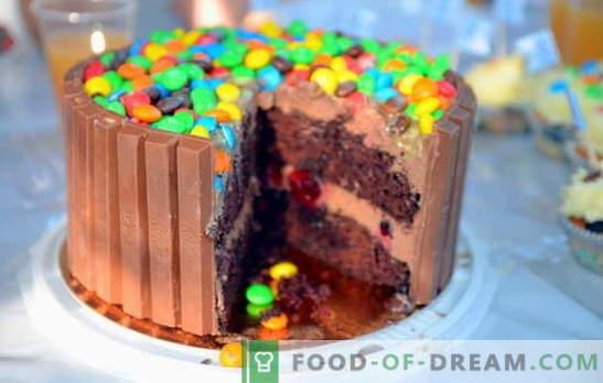 Slastna torta doma - duhovna sladica! Sedem najboljših receptov za okusne domače pecivo: piškote, puff, brez peke