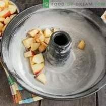 Lean charlotte z jabolki in cimetom na zelenjavni smetani