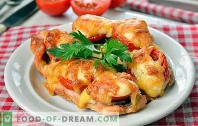 Piščančji kotli v pečici - enkratno okusno! Kuhanje piščančjih rezin v pečici z gobami, zelenjavo, sirom