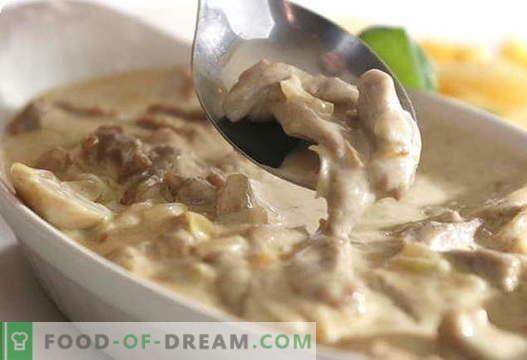 Gobe s kislo smetano - najboljši recepti. Kako pravilno in okusno kuhamo gobe s kislo smetano.