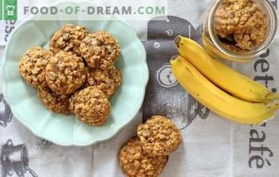 Havermoutkoekjes met bananen: een geurig en gezond dessert bij het ontbijt. Kookmogelijkheden voor havermoutkoekjes met bananen, gedroogd fruit, kwark, noten en chocolade