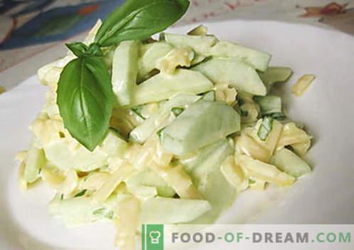 Solata s kumaricami s sirom - najboljši recepti. Kako pravilno in okusno kuhati kumare solato s sirom