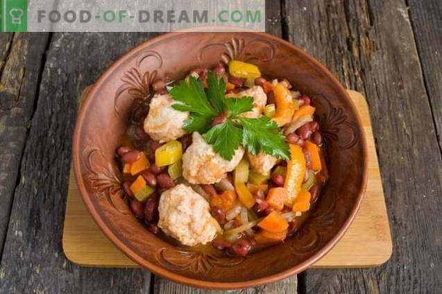Vegetable stew with chicken meatballs