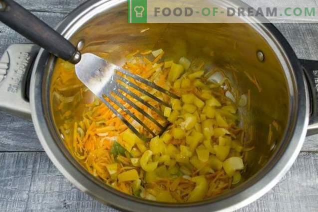 Sopa de col fresca con pollo y lechuga