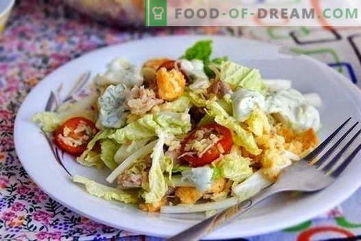 Najboljši recepti so solate s piščancem in kitajsko zelje. Pravilno kuhanje solate piščanca in kitajskega zelja.