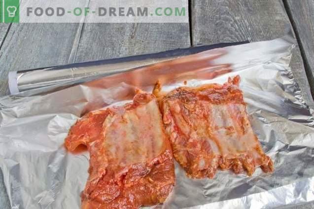 Pečena svinjska rebra z medeno omako
