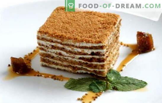 Honey cake classic - recept za najljubšo torto. Klasični recepti medene pogače s kondenziranim mlekom, kislo smetano, kremo