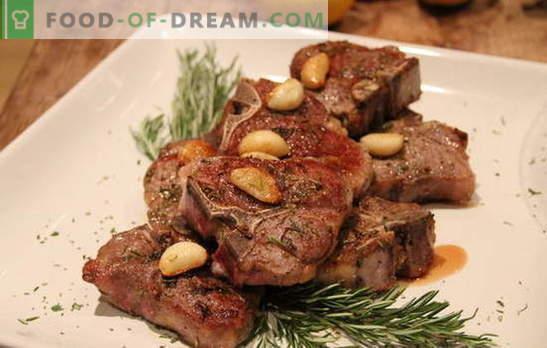 Meso s česnom - nered okusa! Različni mesni recepti s česnom in sirom, paradižniki, krompir, kisla smetana, majoneza