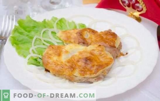 Svinjina v siru v pečici - jedo brez ustavljanja! Recepti za svinjski sir v pečici z gobami, ananasom, paradižnikom, krompirjem, suhimi slivami