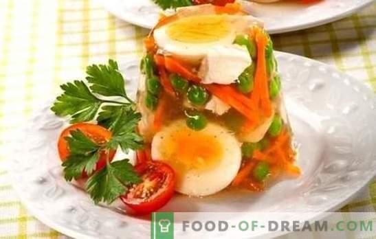 Piščanec z želatino je občutljiva jed za počitnice in vsakdanje življenje. Najboljši recepti piščanca z želatino